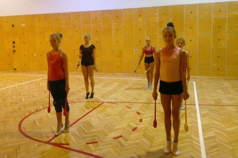 Moderní gymnastky na soustředění vJeseníkách